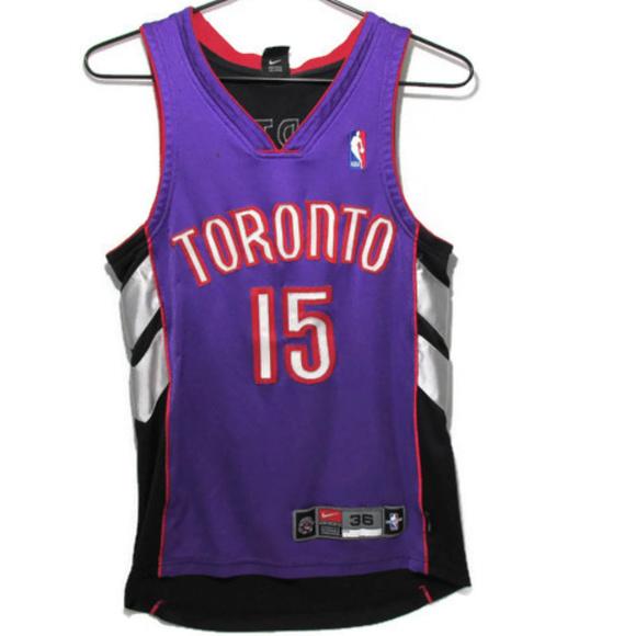 022324285 Vintage Toronto Raptors Vince Carter Jersey Size S.  M 5b6b2105c89e1d51fab2d8e3